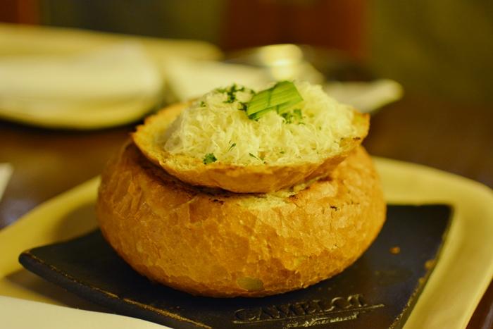 Restaurant_Camelot_Wien_Knoblauchcreme Suppe
