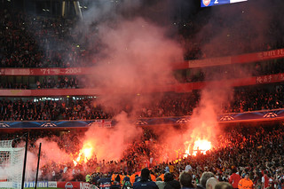 Galatasaray fans light up Emirates