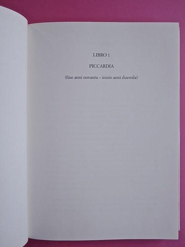 Édouard Louis, Il caso Eddy Bellegueule. Bompiani 2014. Progetto grafico: Polystudio; Imm. alla cop.: ©Hans Neleman/Corbis; fotog. dell'autore: John Foley/Seuil. Indicazione di parte del testo, centrata, in alto, a pag. 9 (part.), 1