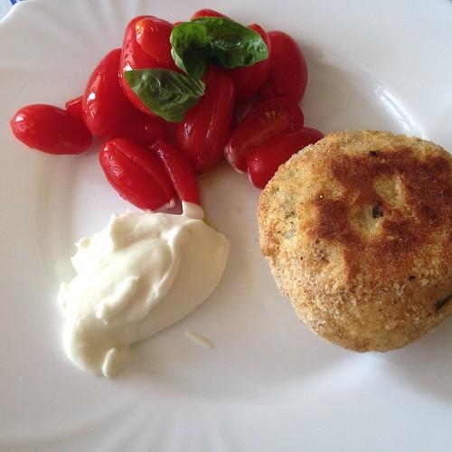 burger patate fagiolini smaionese datterini vegan