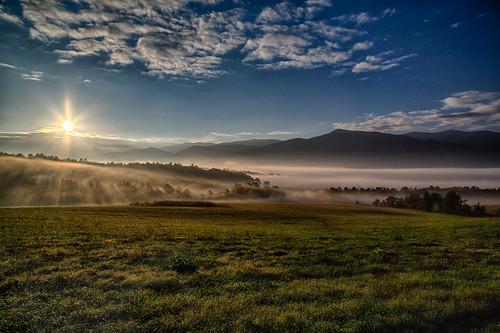 mountain weather fog clouds sunrise landscape unitedstates tennessee meadow valley cadescove greatsmokymountainsnationalpark