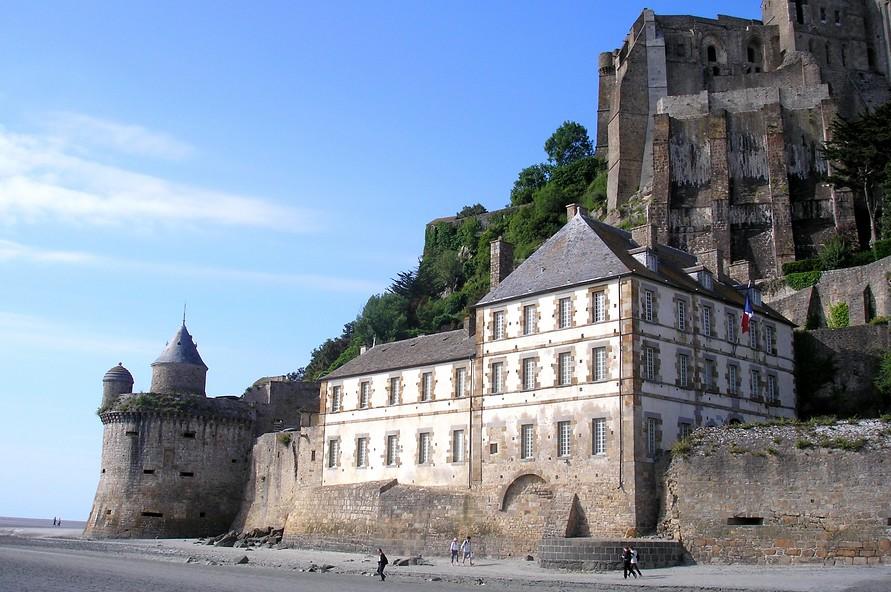 La tour Gabriel et les Fanils