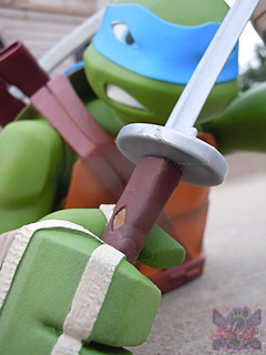 "DIAMOND SELECT TOYS :: Nickelodeon  TEENAGE MUTANT NINJA TURTLES;  ""LEONARDO"" Vinyl Bust Bank xv  (( 2014 ))"