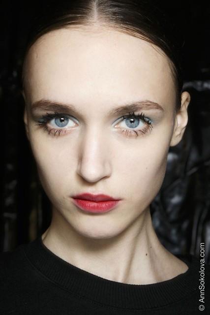 hbz makeup trends fw2014 mega lashes 03 Prada bks