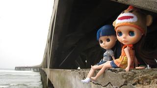 Azul and her cousin Maya in Cerro Azul