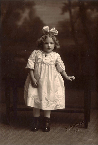 Elva Charlotte Swanson ca 1920
