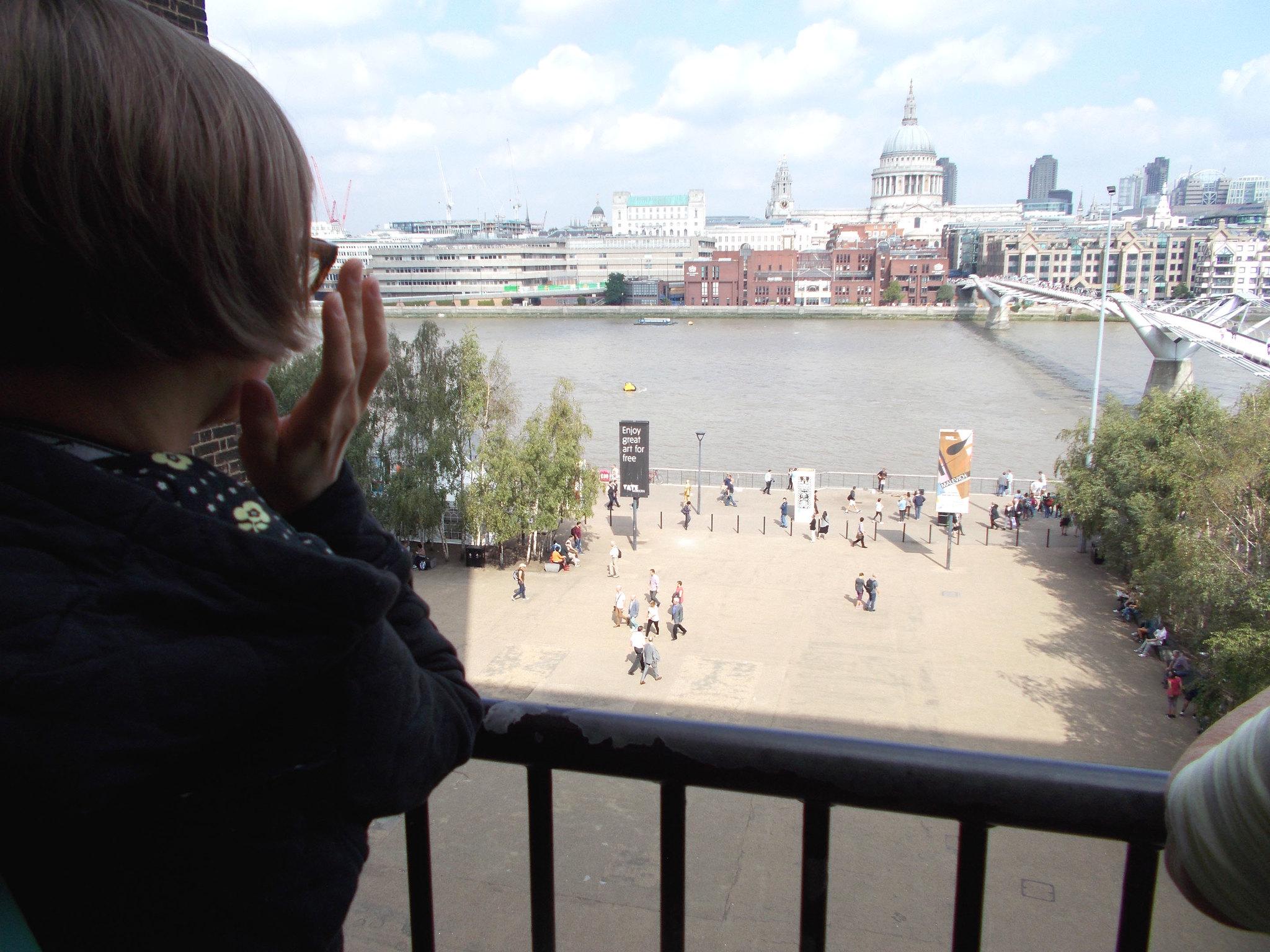 LONDON 1280