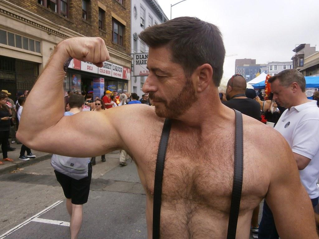 FOLSOM STREET FAIR 2014 ! SEXY BIG REDs AWESOME GUNS ( safe photo)