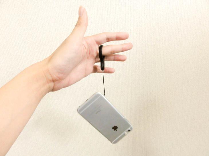 iPhoneにストラップは必須!