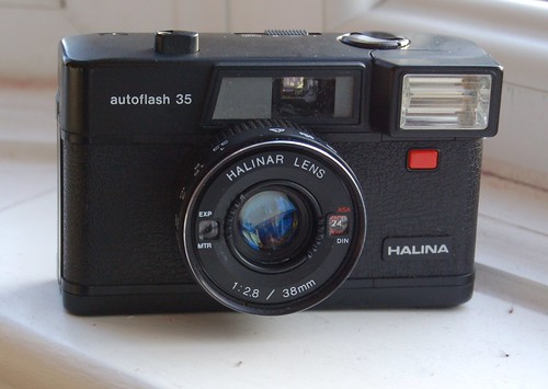Halina Autoflash 35
