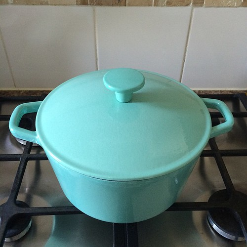 Love my new cast iron casserole dish, especially since it was £15 on sale! Guess who's making stew tonight.