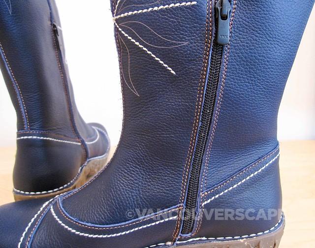 El Naturalista Yggdrasil boot-9