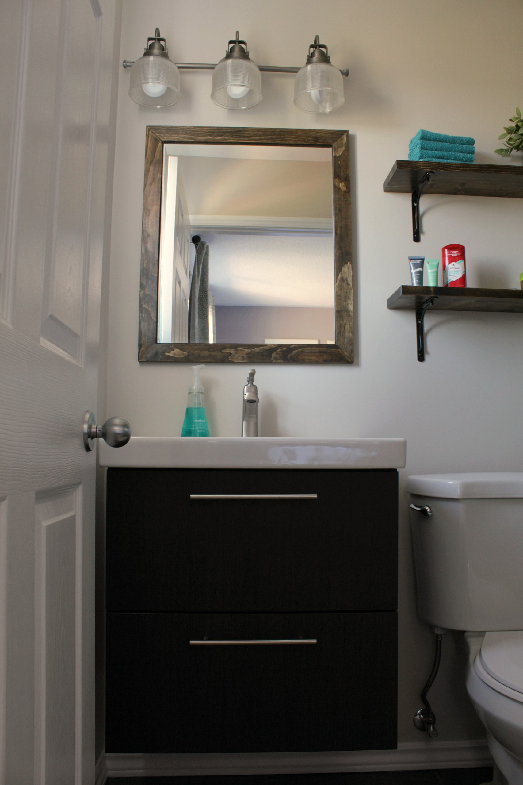 Turtles and Tails: Ensuite Bathroom Reno Reveal