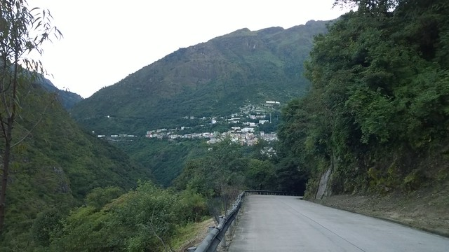 Down to the border, Zhangmu