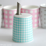 Gingham sugar pourer