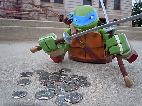 "DIAMOND SELECT TOYS :: Nickelodeon  TEENAGE MUTANT NINJA TURTLES;  ""LEONARDO"" Vinyl Bust Bank i  (( 2014 ))"