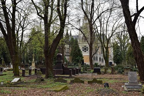 starycmentarzwłodzi theoldcemeteryinłódź cemetery graveyard grave tomb old historical karolscheiblersmausoleum łódź lodz polska poland tree trees nature