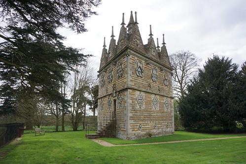Rushton Triangular Lodge