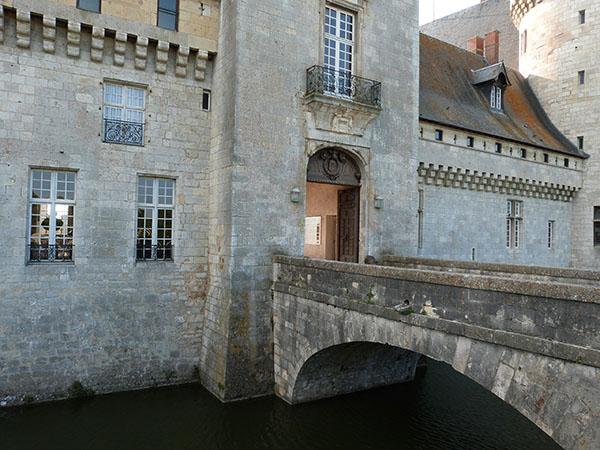 entrée du château de sully