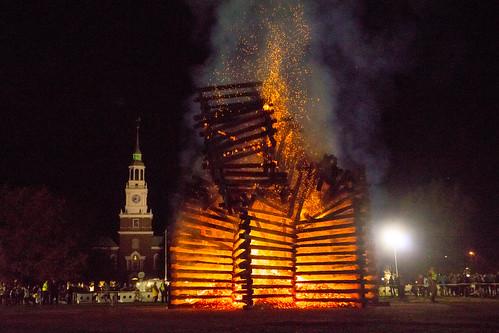 campus homecoming bonfire dartmouth dartmouthnight