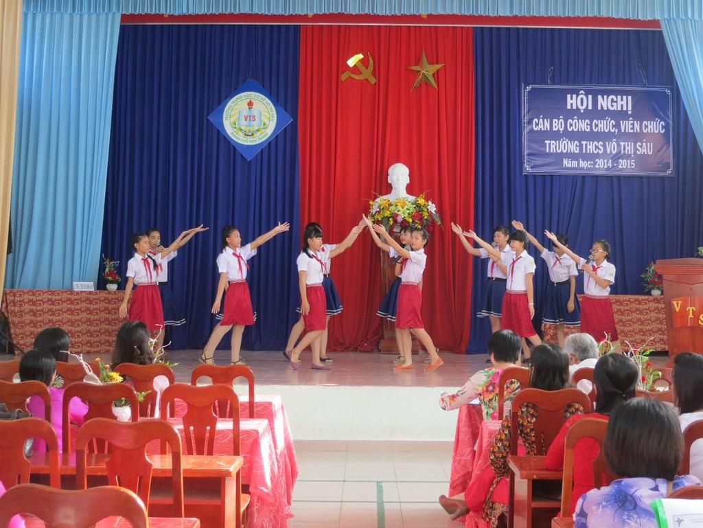 Hội Nghị Cán Bộ Công Chức, Viên ChứcTrường THCS Võ Thị Sáu Năm Học 2014 – 2015