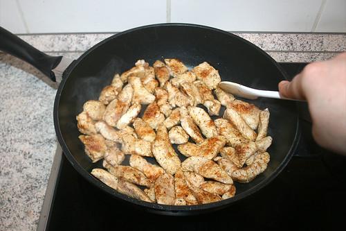 26 - Putenfleisch scharf anbraten / Sear turkey