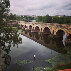moat(0.0), devil's bridge(1.0), aqueduct(1.0), reservoir(1.0), river(1.0), reflection(1.0), arch bridge(1.0), canal(1.0), viaduct(1.0), waterway(1.0), bridge(1.0),
