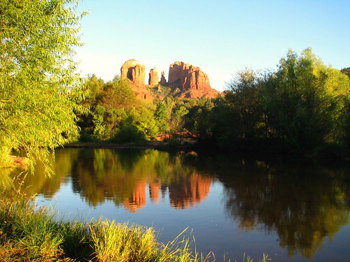 arizona reflection sedona redrock cathedralrock oakcreek crescentmoonstatepark arizonapassages