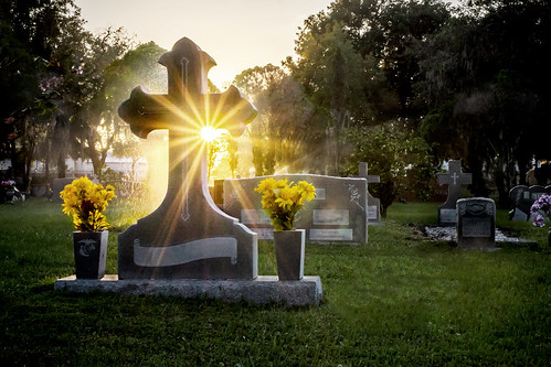 sunset cemetery grave sunrise cross headstone tombstone resurrection sunstar cycadiacemetery