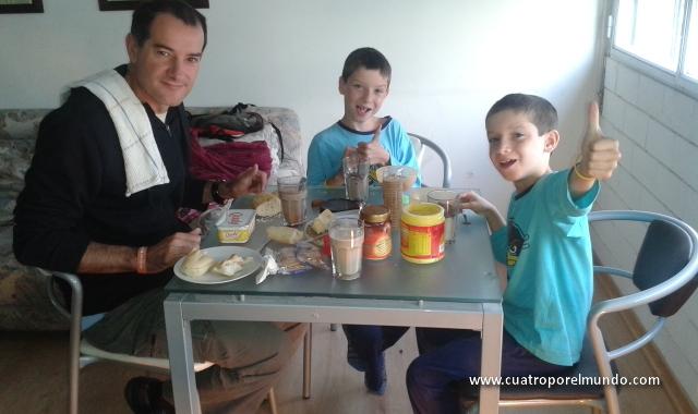 Primer desayuno en Montevideo