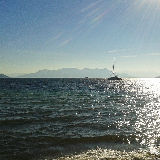 Purjevene Aeginan edustalla