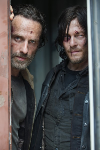 the-walking-dead-season-5-andrew-lincoln-norman-reedus-400x600