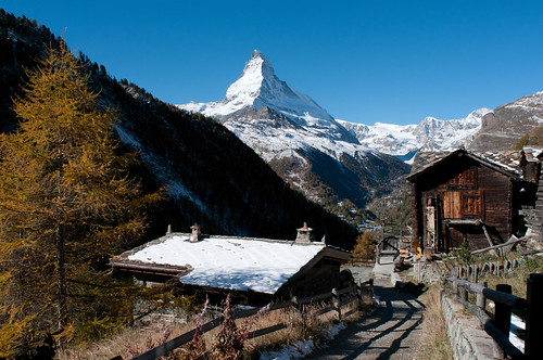 autumn alps landscape schweiz switzerland nikon europe suisse hiking herbst zermatt matterhorn 20mm alpen svizzera wallis valais wanderung 2014 d300 findeln cervino swissness svizra oberwallis derbergruft 20mmf28 dsc9138 luistrenker 141024 zmuttgletscher vervin zegassen ©toniv