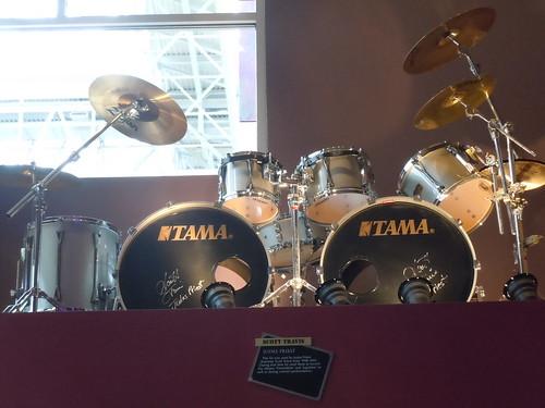 10/03/14 Hard Rock Cafe @ Mall of America, Bloomington, MN  (Scott Travis/Judas Priest Drum Kit)