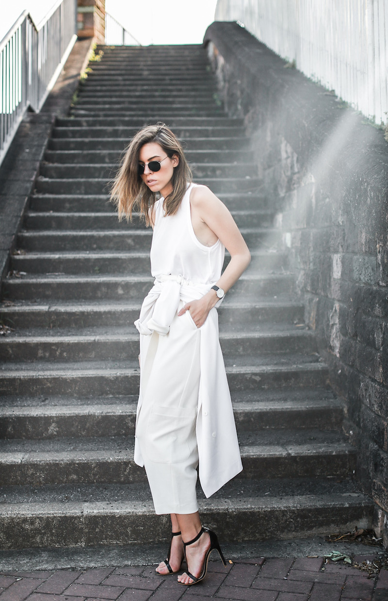modern legacy fashion blog street style all white suit Bassike slouch pants T Bar Mode Collective heels muscle tank work office wear (11 of 11)