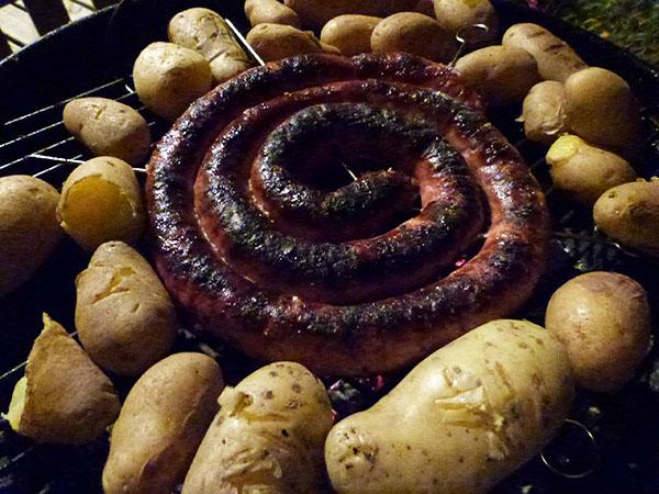 saucisse et pommes de terre