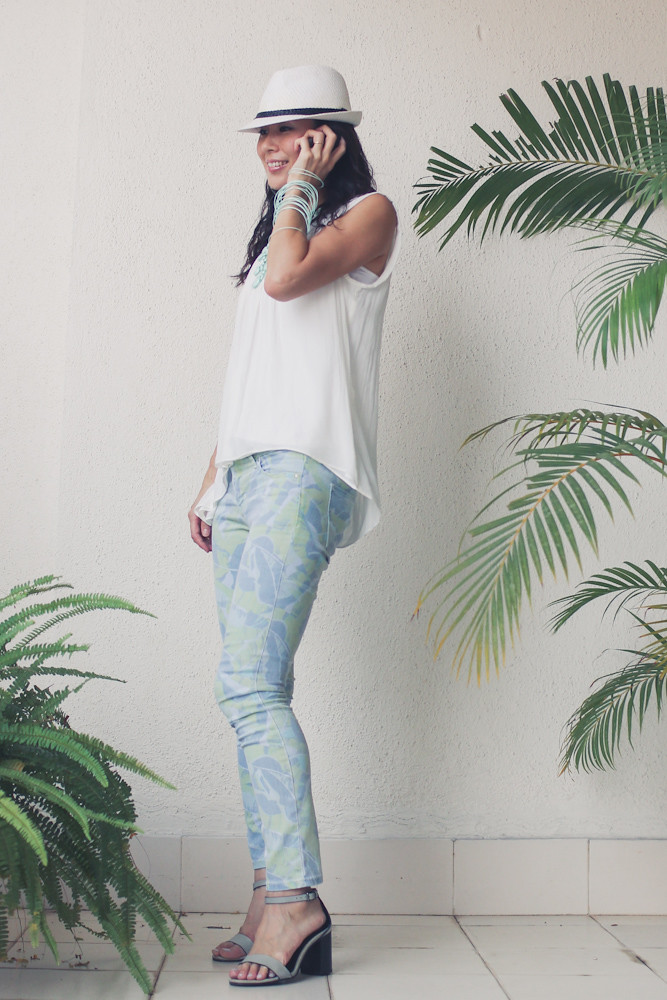 Gap flower print pants Zara shirt Forever 21 necklace_-14