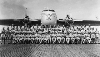 1957 41 Sqn staff with NZ5904 at 41 Sqn, Changi, Singapore