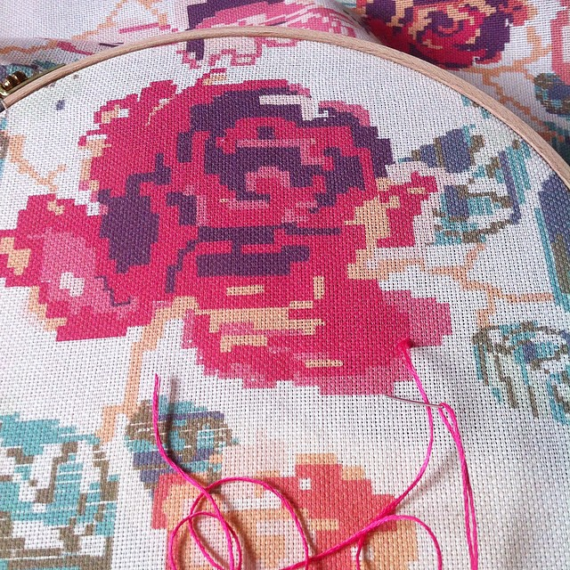 This #cross #stitching piece is one that took most of my time ( more than quilt making!) and it was left unfinished , just partly done...but I was able to use all of the gorgeous shades of #aurifil #floss and it made me so happy