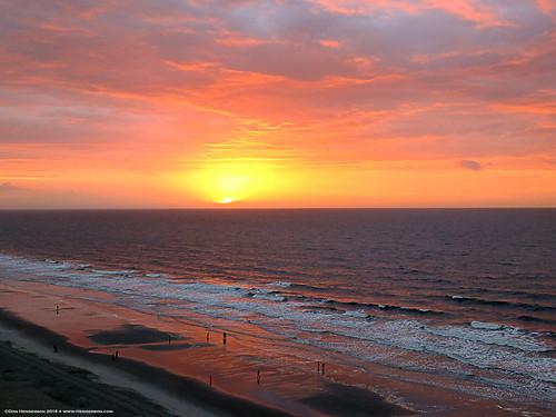 sunrise waves southcarolina atlanticocean northmyrtlebeach peopleonthebeach wyndhamoceandriveresort