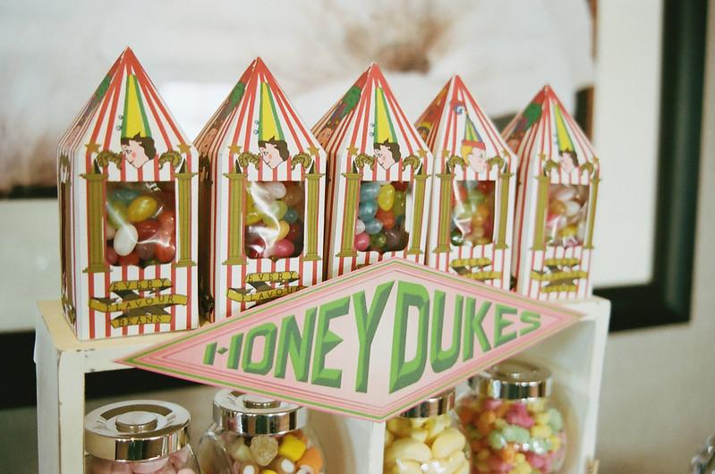 Honeydukes sweetie table at this Scottish Harry Potter wedding on @offbeatbride