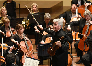 Pinchas Zukerman Conducts Bruch