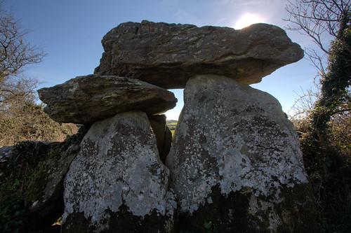 Knockeen Portal Tomb, silhouette