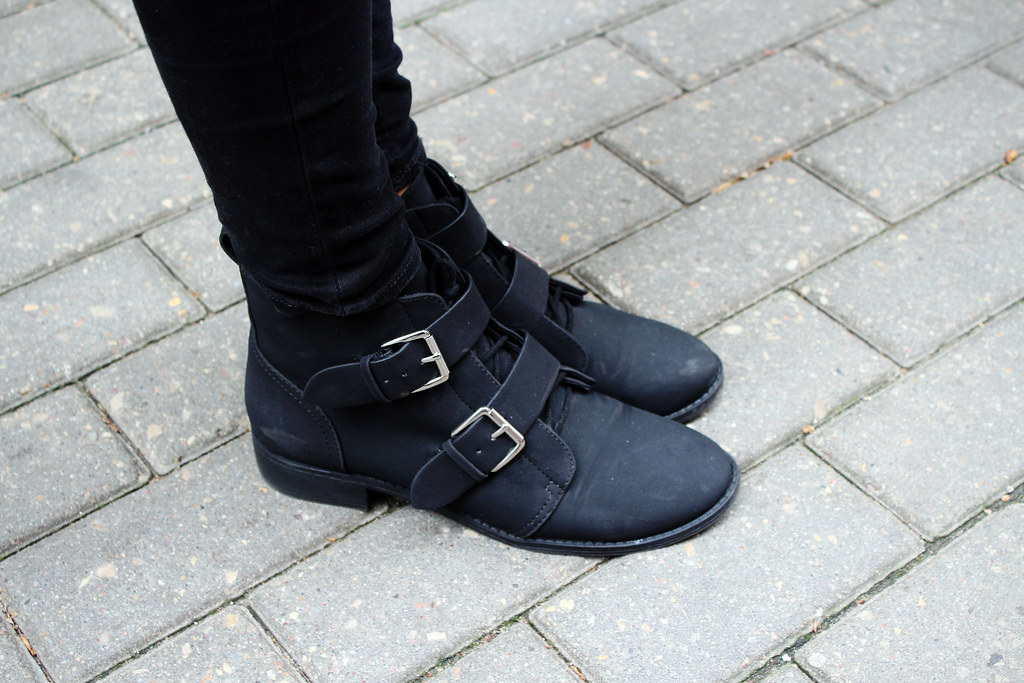 H&M-buckle-boots