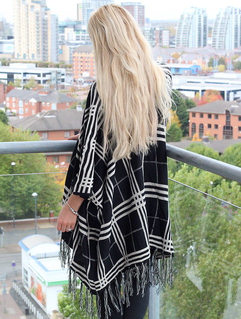 A/W Cape Trend, Blue Vanilla, OOTD, Outfit Post, The Checked Cape,