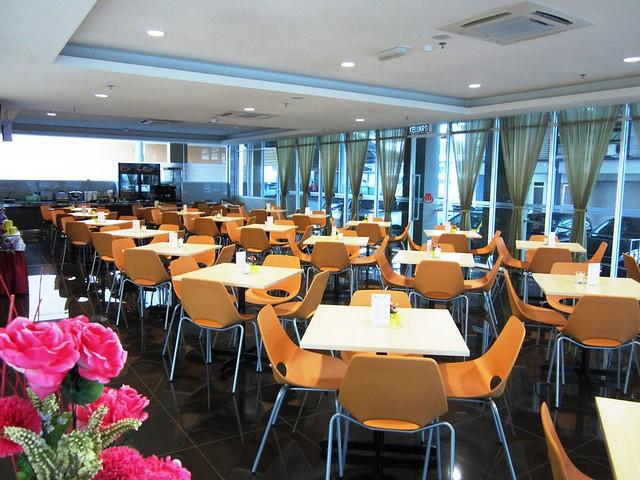Medan Hotel, dining
