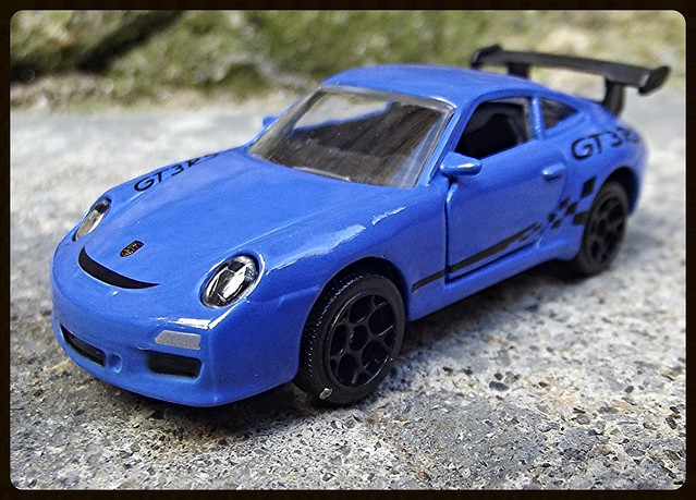 N°209D Porche 911 GT3RS. 15021529094_61e4982b36_z