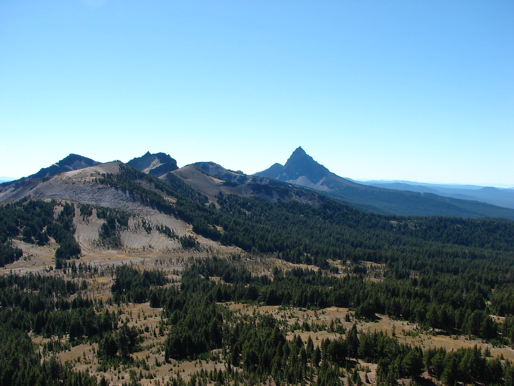 Howlock Mountain and Mt. Thielsen
