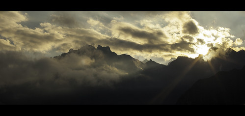 morning sun sunlight peru sunrise canon landscapes cusco sunrays cinematic moutains anamorphic stunningscenery machpicchu southamericantravel cuscotravel peruviantourism sunriseovermachpicchu morninglightmachpicchu geraintrowlandatmachpicchu sevenwondersoftheworldnew