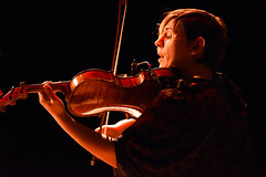 bowed string instrument, violinist, classical music, string instrument, musician, violin, viola, music, guitar, fiddle, entertainment, concert, performance, singing, performance art, violist, string instrument,